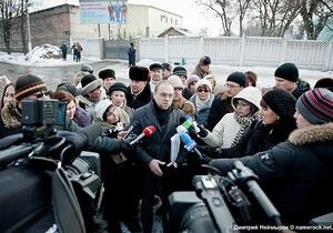 Власенко: Тимошенко не просила освободить ее от исправительных работ в колонии