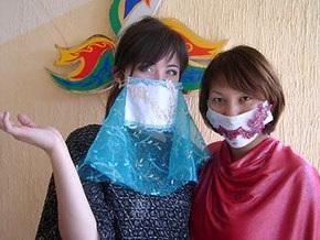 Дизайнер из Казахстана представила модную коллекцию противоинфекционных масок