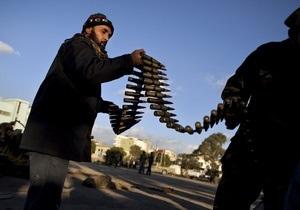 В Ливии идут ожесточенные бои. Из Триполи планируют вывезти иностранцев