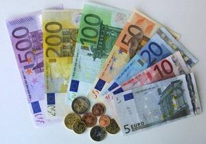 Евро упал до минимального значения за четыре года