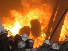 В ста метрах от офиса Ющенко горел дом