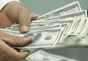 Несколько банков начали продажу долларов на межбанке