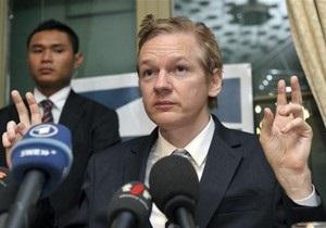 Власти США отказались от любых переговоров с WikiLeaks, назвав деятельность сайта преступной
