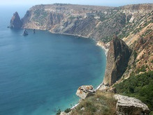 В Севастополе спасли сорвавшегося со скалы туриста
