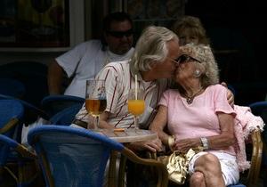 Стареем: к 2100 году на планете на одного пенсионера будет приходиться лишь по два налогоплательщика