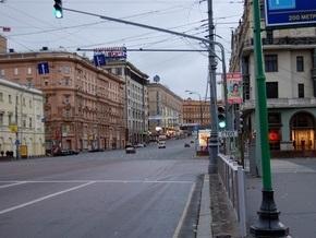 В центре Москвы хулиган ударом головы сломал гаишнику нос