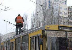 В Киеве водителей и кондукторов общественного транспорта оденут в униформу