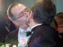 В Калифорнии зарегистрированы первые однополые браки