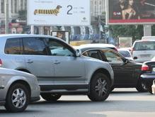 Черновецкий запретил парковать автомобили под углом