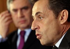 Саркози отказался комментировать слухи об измене Карле Бруни