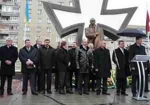 Депутаты Прикарпатья: Режим Януковича будет сметен силой украинской национальной революции