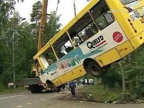 Водитель разбившейся на Рублевке маршрутки в момент аварии выдавал билеты