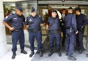 В Ницце произошла драка между пожарными и полицейскими
