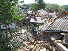 Оползень почти полностью разрушил село на Буковине