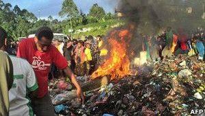 В Новой Гвинее сожгли женщину, обвиненную в колдовстве