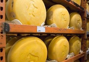 Глава Роспотребнадзора недоволен качеством украинского сыра