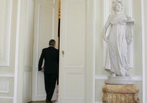 Губернатор Пермского края РФ убрал входную дверь в своей общественной приемной