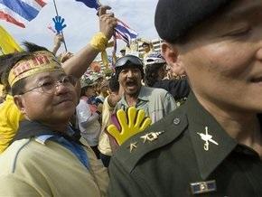 Армия Таиланда призвала премьер-министра распустить парламент