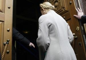 Тимошенко допрашивают уже четвертый час