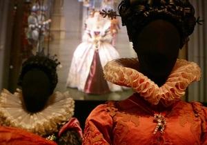 Фотогалерея: От немого кино до современности. Выставка голливудских костюмов в музее Виктории и Альберта