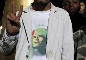Замглавы МИД Ливии прибыл в Афины с тайным посланием от Каддафи