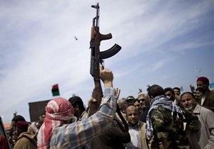 Ливийские повстанцы сообщают об объединении своих военных сил