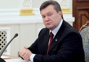 Янукович потребовал от Азарова и Табачника разобраться с ситуацией, связанной с закрытием школ