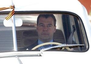 Президентский автопробег: Янукович выбрал Победу с мягкой крышей