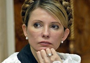 Тимошенко заявила, что Янукович губит себя, как политика, сам