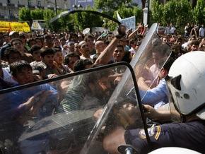 Полиция Греции задержала около 40 иммигрантов, участвующих в беспорядках