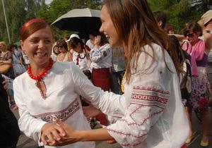Олег Скрипка зовет киевлян на Парад вышиванок