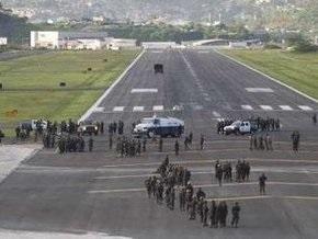 Самолет президента Гондураса сел в Никарагуа