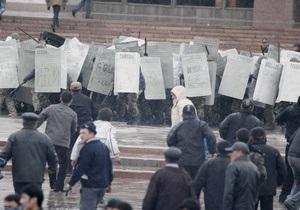 В южную столицу Кыргызстана введены спецназ и внутренние войска