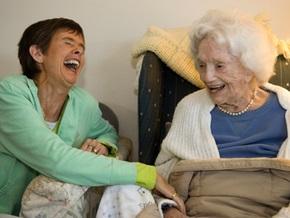 40% людей смеются над несмешными шутками