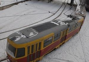 В Харькове неизвестные разгромили 12 трамваев
