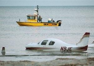 В США самолет сбил бегущего по пляжу мужчину
