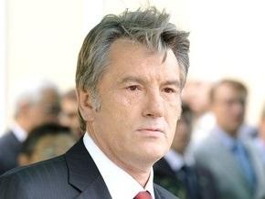 Ющенко откроет в Варшаве памятник жертвам Голодомора
