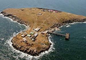 Геолог: Остров Змеиный может расколоться на две части