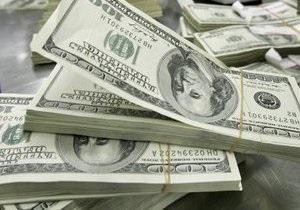 Торги на межбанке фактически остановились: доллар пробил отметку в 8,15 грн