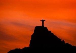 Власти Рио-де-Жанейро закрыли доступ к знаменитой статуе Христа