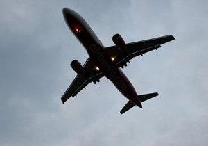 Над Пакистаном у самолета со 180 пассажирами на борту взорвался левый двигатель