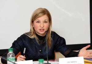Экс-гендиректор Лавры Лесничая намерена обжаловать в суде свое увольнение