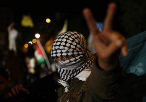 Около 800 заключенных в тюрьмах Израиля палестинцев объявили голодовку