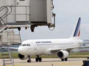 Парижские аэропорты не будут работать 12 часов из-за урагана