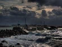 В Керченский пролив до сих пор вытекает мазут