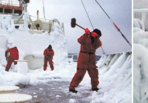 МЧС России удалось спасти тонущий в Охотском море рефрижератор