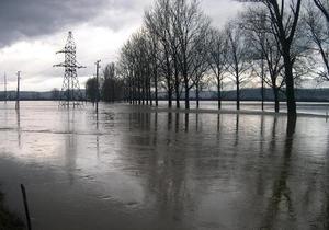 Уровень воды в закарпатских реках постепенно спадает - МЧС