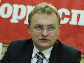 СМИ: Мэр Львова поддержит на выборах Януковича