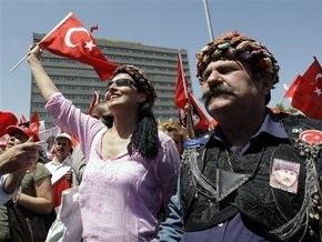 В Турции прошли демонстрации против исламизации страны