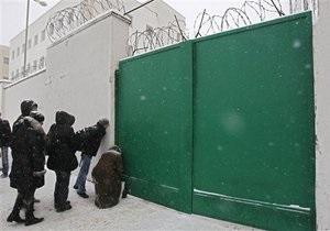 В Беларуси сотни оппозиционеров остаются под стражей
